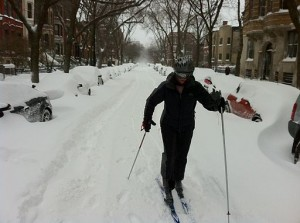 512px-Cross_Country_Skiing_Belden_Ave_Chicago_Feb_2_2011